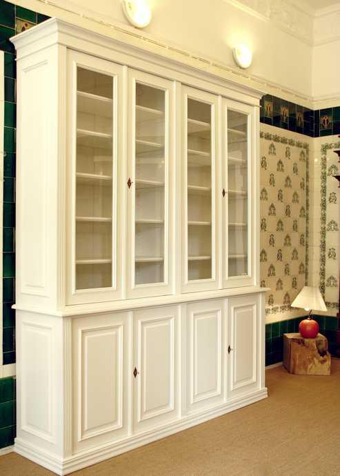 b cherschrank in wei aus massivholz mit glast ren hbt 250x200x48cm ebay. Black Bedroom Furniture Sets. Home Design Ideas